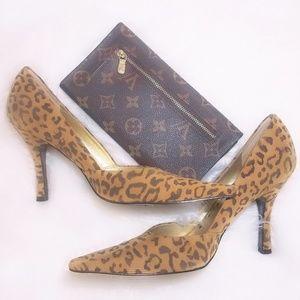 #46 ❤4 for $25 BCBG Heidi Leopard Pump 6 Shoes